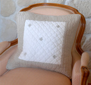 Boutis quilted cushion cover 42 x 42 cm (MAYA. ivory / natural)